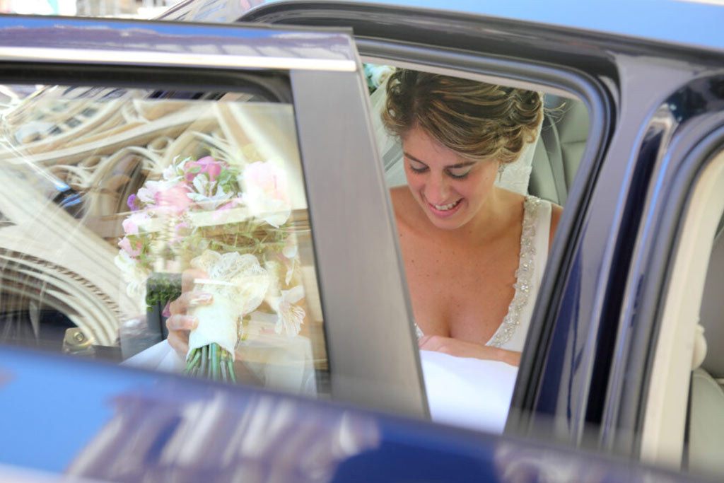 fotografo de bodas en malaga. Saliendo del coche