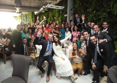 Foto grupo de persona en boda Fotógrafo Carlos Lancha